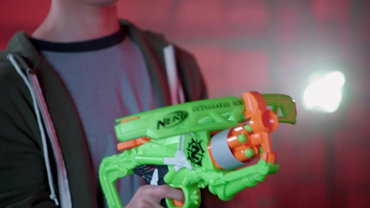 NERF Zombie Strike Outbreaker Bow - Produktdemo-Video