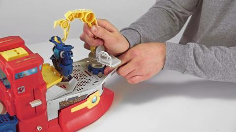 Playskool Heroes Transformers High Tide Rescue Rig Demo