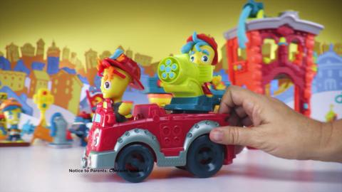 Play-Doh Town Australia - Firehouse and Fire Truck