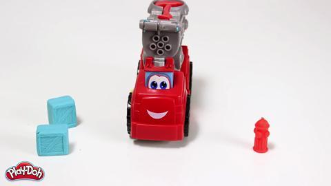 ΠΡΟΪΟΝΤΑ-Play-Doh Πυροσβεστικο Oχημα