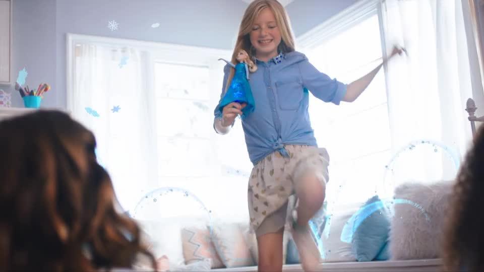 Disney Prenses Şarkı Söyleyen Elsa TV Reklamı
