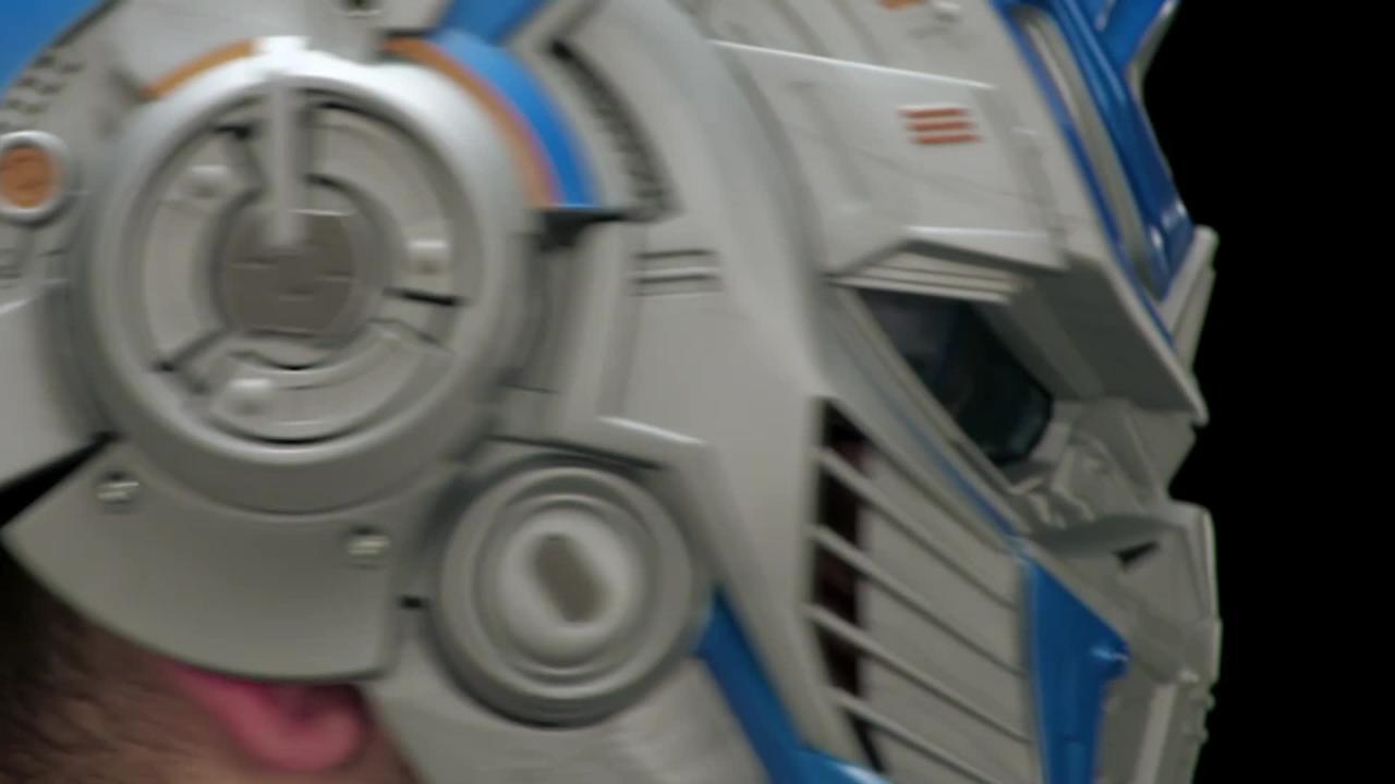 Transformers Movie 5 Optimus Prime Voice Changer Helmet - Produktdemo-Video
