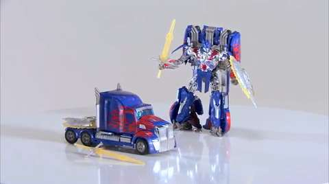 Official Transformers 4 Movie: Age of Extinction First Edition Optimus Prime Figure Preview