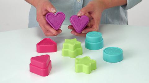 Toys That Play, Stow & Go: Pop Up Shape Sorter Demo
