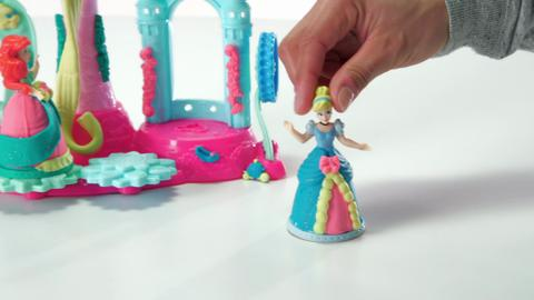 Play-Doh Royal Palace Featuring Disney Princess Demo Video