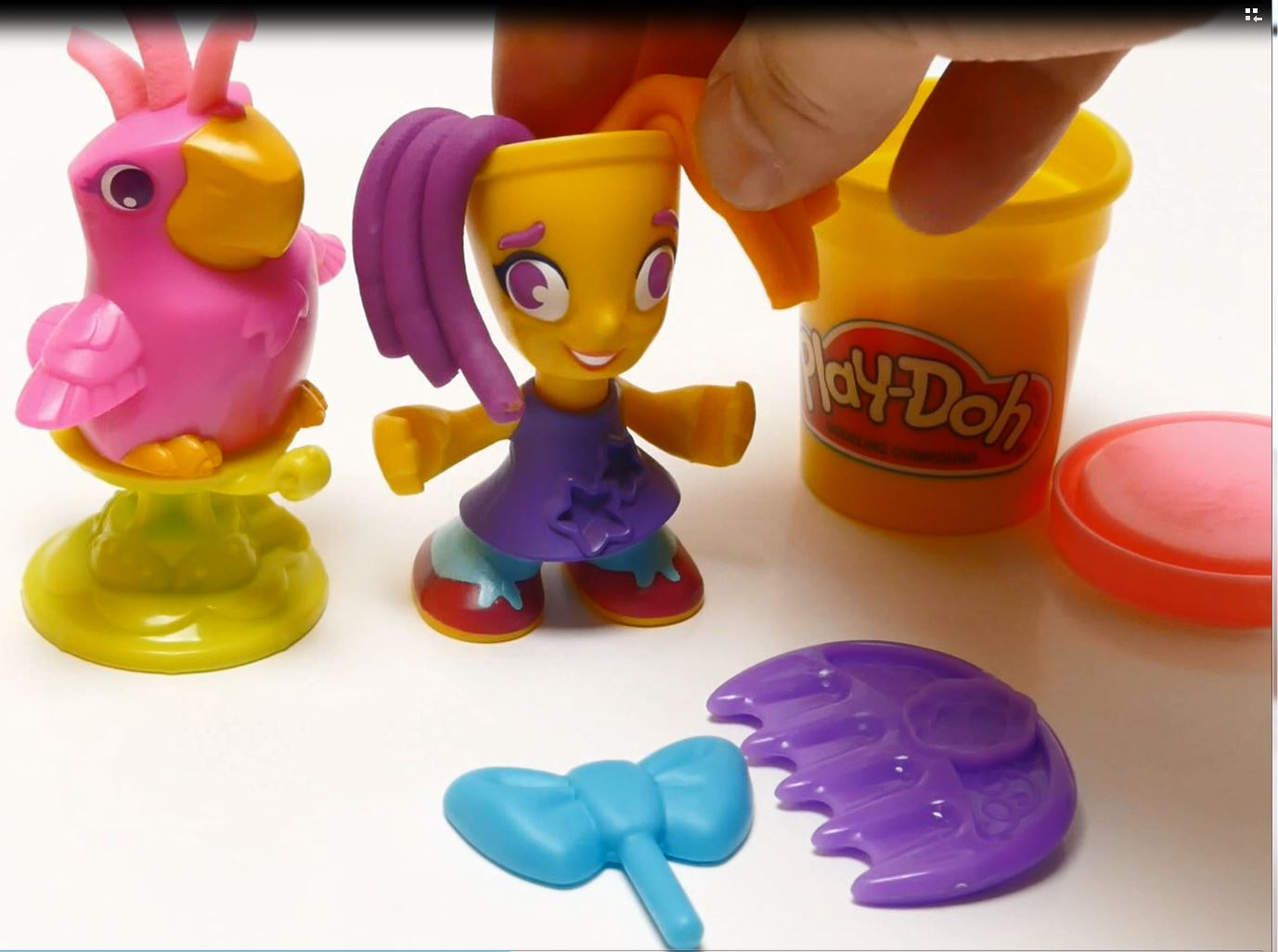 Play-Doh Town Hairdresser Playset Unboxing Video feat. SurpriseFunTV