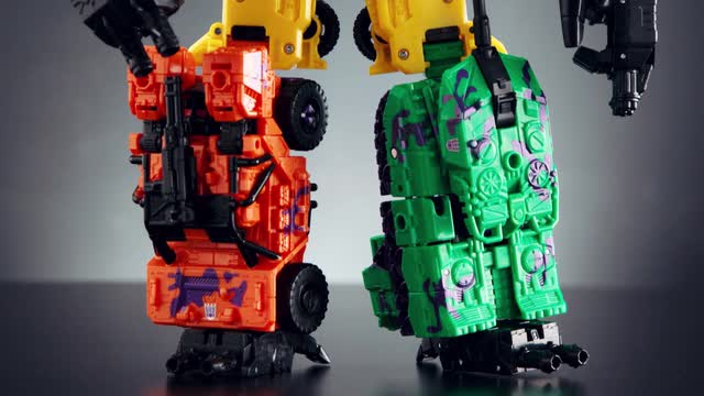 DESIGNER DESK COMBINER WARS BRUTICUS COLLECTION PACK