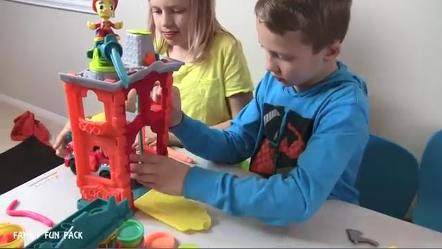 Play-Doh Town YouTube Influencer Video: Family Fun Pack.