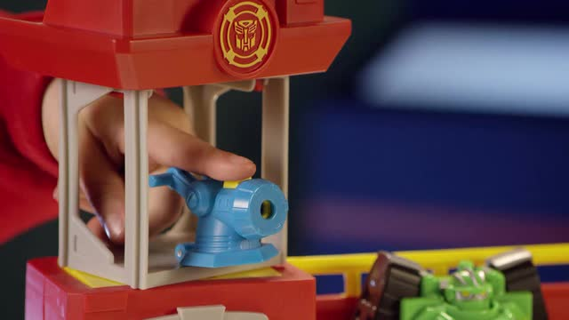 PLAYSKOOL HEROES  TRANSFORMERS RESCUE BOTS  FIREHOUSE HQ  TVC