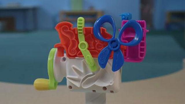 Play-Doh Crazy Cuts Play-set Unboxing Video