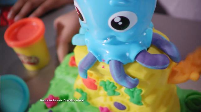 Play Doh Kitchen Creations Spinning Treats Mixer Commercial
