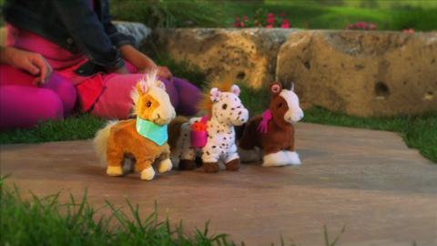 FurReal Friends Walkin' Ponies
