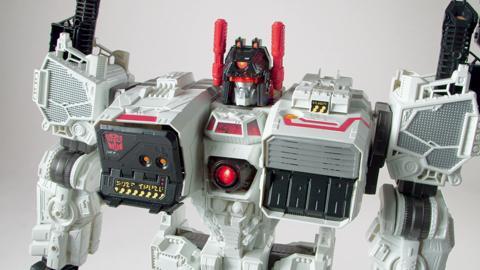 Transformers Generations Titan Class Metroplex Action Figure